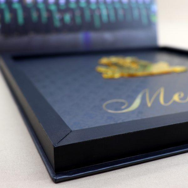 Berço de Madeira do convite de Formatura
